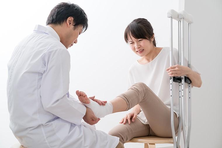 骨折の慰謝料を適切に受け取るために〜治療で注意すべきポイント〜